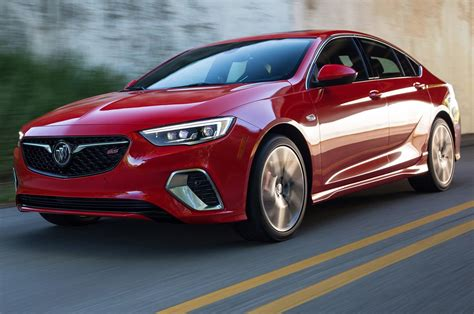 2018 Buick Regal Gs First Look A V6 Powers The Sporty