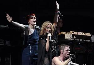 Kylie Minogue Photos Photos - Glastonbury Music Festival ...