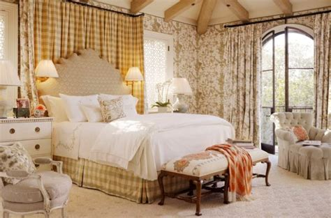 Toile Fabric: Add Cool Color And Chic Pattern To