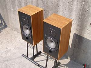 Sale Pending  U2022 B U0026w Dm-10 Speakers Photo  664314