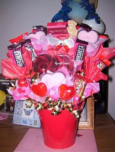 Valentines Day candy bouquet I made for a friend ...