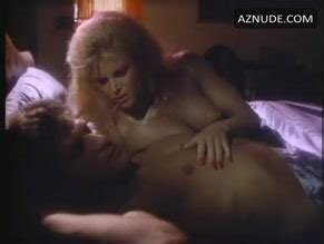 Lucy Gutteridge  nackt