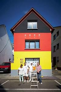Haus Von Schwarz Und Weiß : haus in schwarz rot gold ~ A.2002-acura-tl-radio.info Haus und Dekorationen