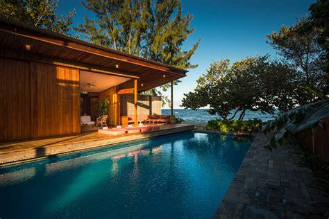 Luxury Resort Hotels in Belize, Beach Dwelling Belize