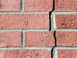 Reboucher Grosse Fissure Mur Exterieur : r paration de murs fissur s faites r parer vos murs de briques ~ Louise-bijoux.com Idées de Décoration