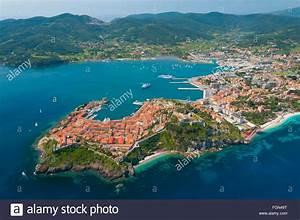 Ile D Elbe Avis : l 39 italie la toscane l 39 le d 39 elbe et portoferraio ville et port vue a rienne italie ~ Medecine-chirurgie-esthetiques.com Avis de Voitures
