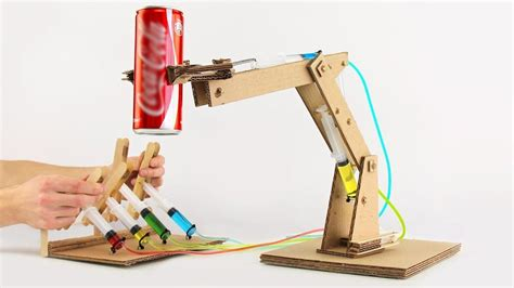 como construir  brazo robot hidraulico de carton