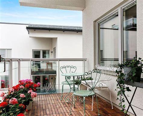 una casa de  metros cuadrados  dos terrazas