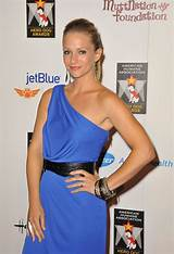 60+ Sexy A.J. Cook Boobs Pictures Expose Her Extremely Curvy Butt | Best Of Comic Books