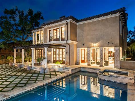 modern mediterranean house modern mediterranean home in beverly hills 12