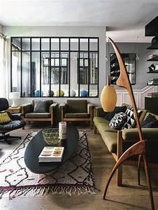 1001 idees de decoration pour votre salon cosy et beau With tapis ethnique avec tissu noir pour canapé