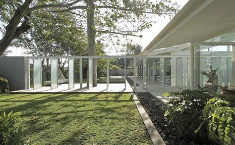 photo courtyard kp house studio  desain arsitek oleh