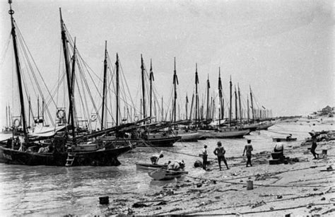 Fishing Boat Jobs Broome by History Of Pearling In Australia Pearl Lugger Cruises