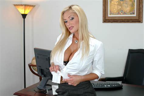 Shyla Stylez & Tommy Gunn in Naughty Office - Naughty America HD Porn Videos
