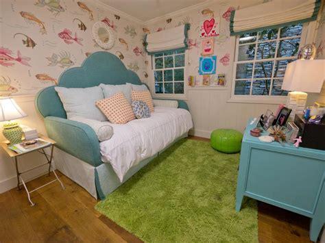fish themed bedroom a tween girl s underwater themed bedroom hgtv
