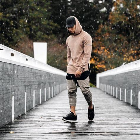 35 Fantastic Jogger Outfits for Men - No Longer a Training Wear