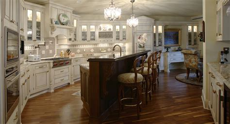 Kitchen & Bathroom Cabinets   Woodharbor Custom Cabinetry