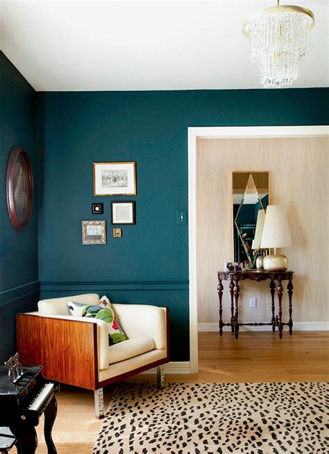The Painted Chair Rail Trend ? Tag & Tibby