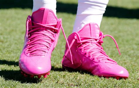 nfl  players wear pink cleats  breast cancer