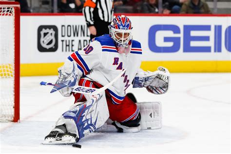Red Wings need to steer clear of pursuing Henrik Lundqvist