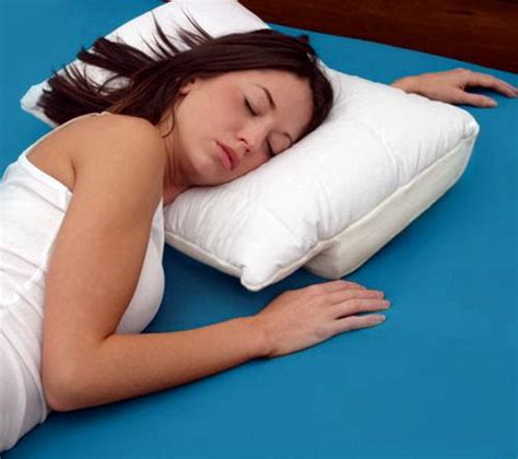 pillows for side sleepers how to choose the best side sleepers pillows home design