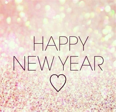 happy  year la multi ani chic travelholic