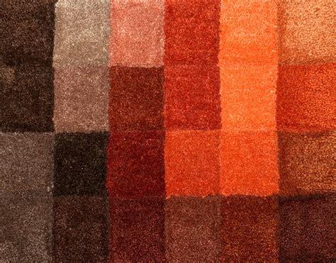 Verklebten Teppichboden Lösen by Verklebten Teppichboden Entfernen Teppich Auf Treppe