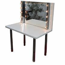 Schminktisch Spiegel Beleuchtet : die verleihonkels spiegel schminkspiegel beleuchtet ~ Yasmunasinghe.com Haus und Dekorationen