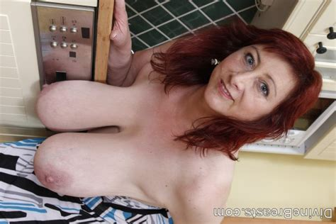Divine Breasts Janet Mature Milf Dangling Breasts 411342