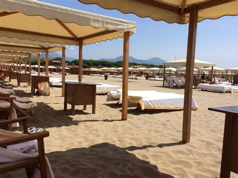 Bagno San Francesco, Forte Dei Marmi Restaurant