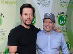 wahlburgers vegas las wahlberg siblings mark franchise nine leonard billy last sued damages lucrative unspecified croix edward locations later working