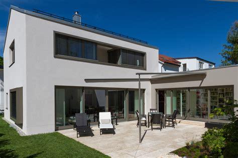 Einfamilienhaus Mit Garage Muenchenarchitektur