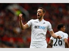 Swansea's Gylfi Sigurdsson vs Everton's Ross Barkley – A