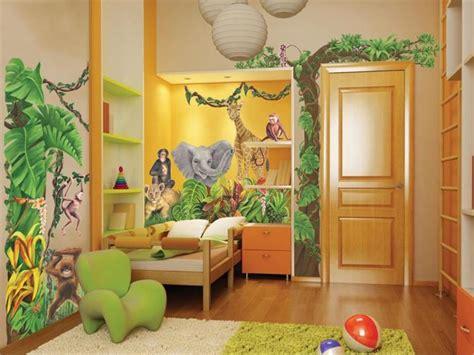 theme chambre davaus rideau chambre bebe thème jungle avec des