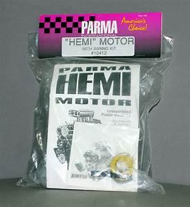 Rare Parma Model Kit  10412 Plastic Chrysler Hemi Motor