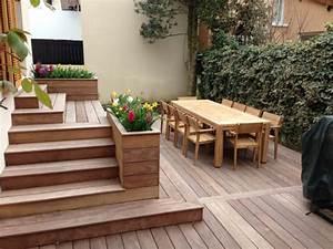Escalier Terrasse Bois : kinderzimmers terrasse en bois avec marches et gradins ~ Nature-et-papiers.com Idées de Décoration