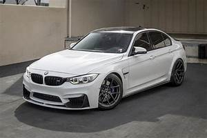 Papas limo subtly changed bmw m3 f80 on v ff 101 alu39s for Alpin wei