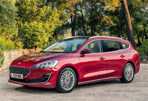 2019 Ford Focus Wagon St-line And Vignale Look Good In Red