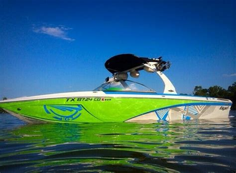 Tige Boat Dealers Bc by 72 Best On The Water Images On Boat Wraps Ski
