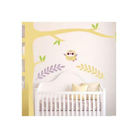 déco chambre bébé stickers stickers chambre bébé hiboux pour le petit roi de la maison
