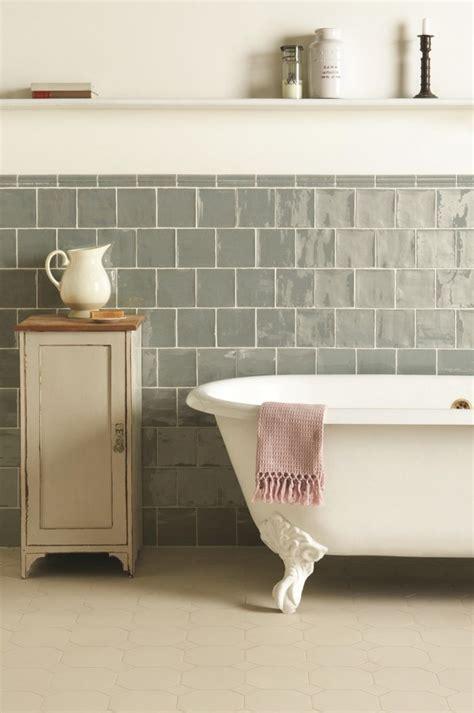 cuisine faience metro les 25 meilleures idées concernant salles de bains vintage