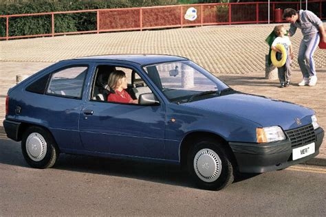 vauxhall astra  british success story car keys