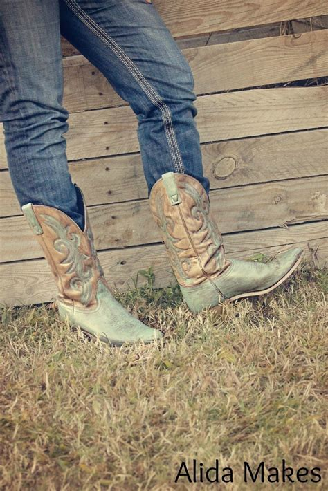 diy turquoise cowboy boots     pair  cowboy