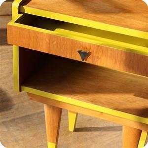 Table De Chevet Jaune : meubles vintage consoles petits meubles table de chevet sixties fabuleuse factory finition ~ Melissatoandfro.com Idées de Décoration