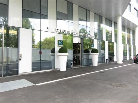 hotel entrance picture of ac hotel porte maillot