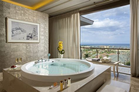 The World's Most Luxurious Hotel Bathrooms