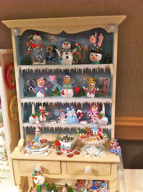 Dollhouse Snowman Christmas Hutch   Miniatures   Pinterest