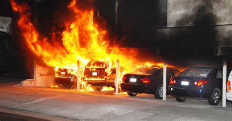 cops race  stop hollywood area arson car fires cbs news