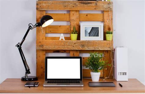 fabriquer bureau informatique bureau en palettes 18 idées le bureau tendance et