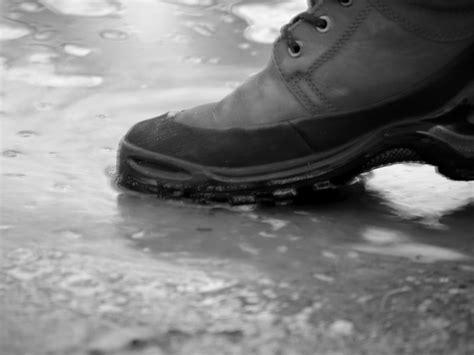 Wasserflecken Auf Fliesen Entfernen by Wasserflecken Leder Entfernen 187 Eine Anleitung